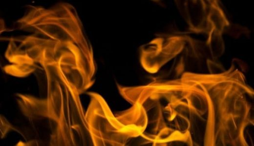 中古パソコンは発火(燃える)事故の報告あり!原因と対策方法