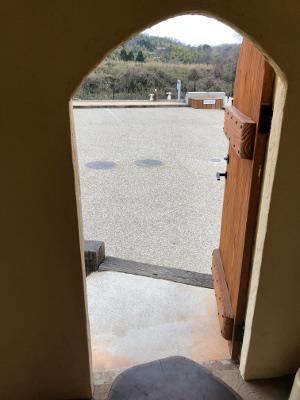 プリンの小屋(中から外を見た景色)